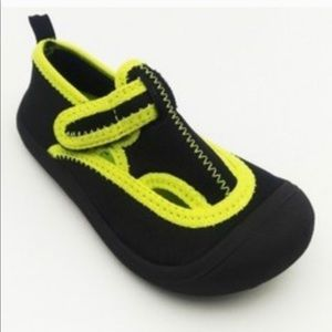 🆕 Toddler Boys water shoes